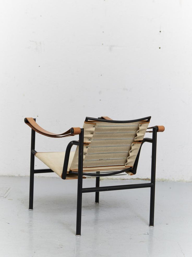 LC1 Club Chair by Le Corbusier, Pierre Jeanneret & Charlotte Perriand for Cassina, 1928 3