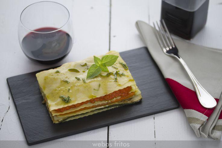 Me encanta esta lasaña de verduras. Yo las pongo hechas a la plancha, que le dan un sabor espectacular, y uso pasta fresca que siempre queda fabulosa.