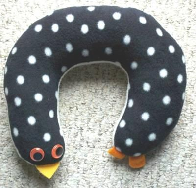 Directions to sew a neck pillow that you can use as a pillow or stuff with rice for a heating pad.