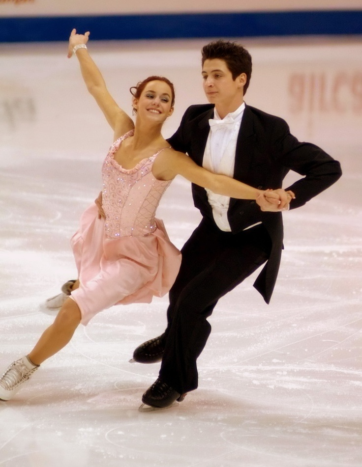 A waltz, by Tessa Virtue & Scott Moir.