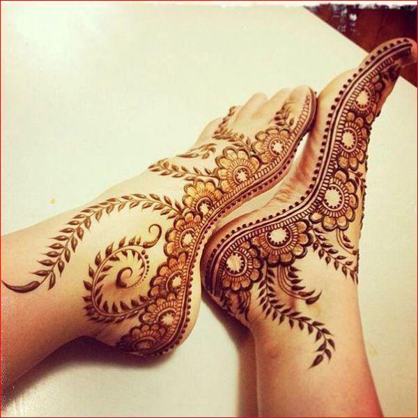 Beautiful Mehndi Design For Foot.