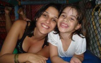 Ana Carolina Oliveira com a filha, Isabella Nardoni