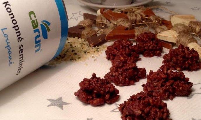 Čokoládové hrudky s ořechy a konopnými semínky