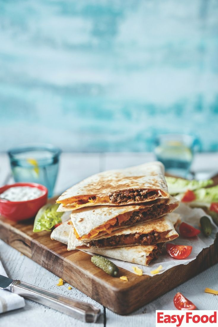 KID'S KITCHEN 👧🏾 Easy cheeseburger quesadillas! #kids #cooking #lunch