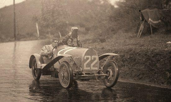 Recambios y repuestos coches clásicos, anuncios compra y venta de  coches clásicos, motos clásicas, manuales, libros, automobilia, guía de restauración de vehículos clásicos