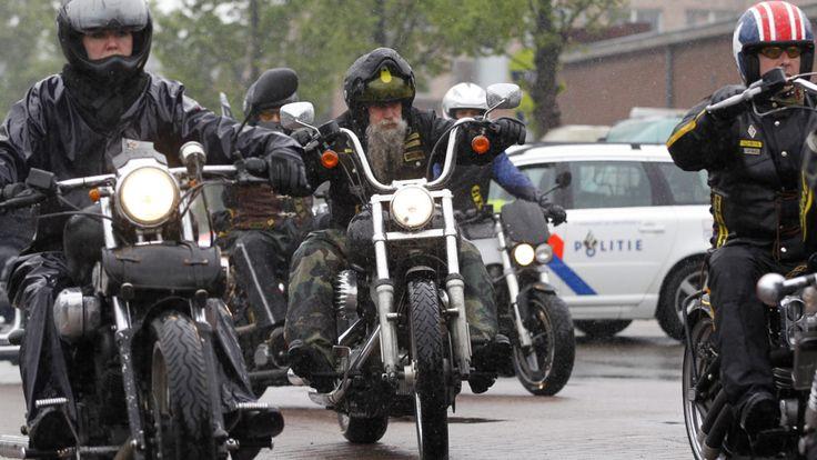 Burgemeesters Limburg slaan alarm over motorclubs | NOS