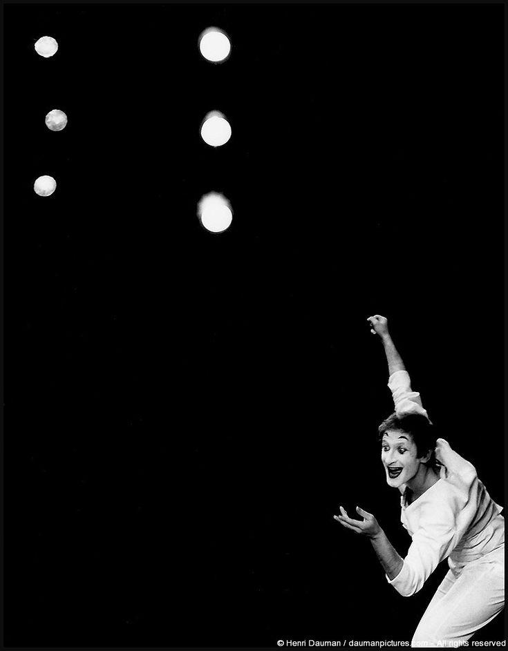 Marcel Marceau, 1958 by Henri Dauman.