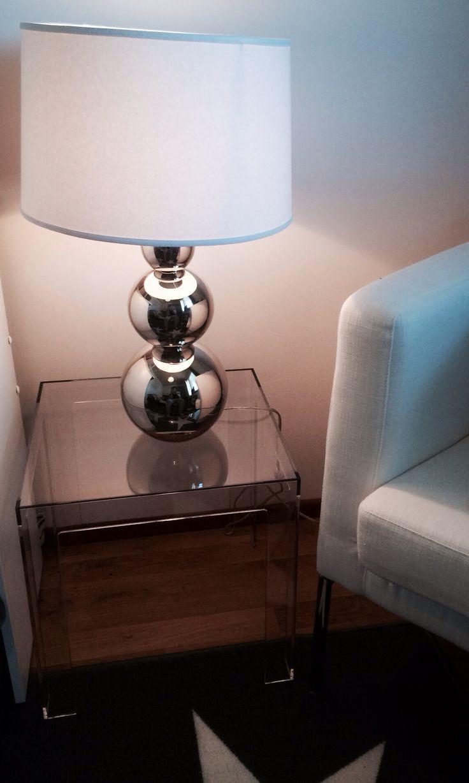 Kartell, jolly table, pentik rondo lamp, silver, decoration, furniture