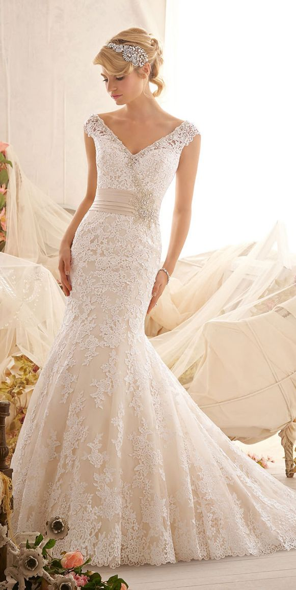 White and gold wedding sweetheart neckline lace trumpet for Sweetheart lace trumpet wedding dress