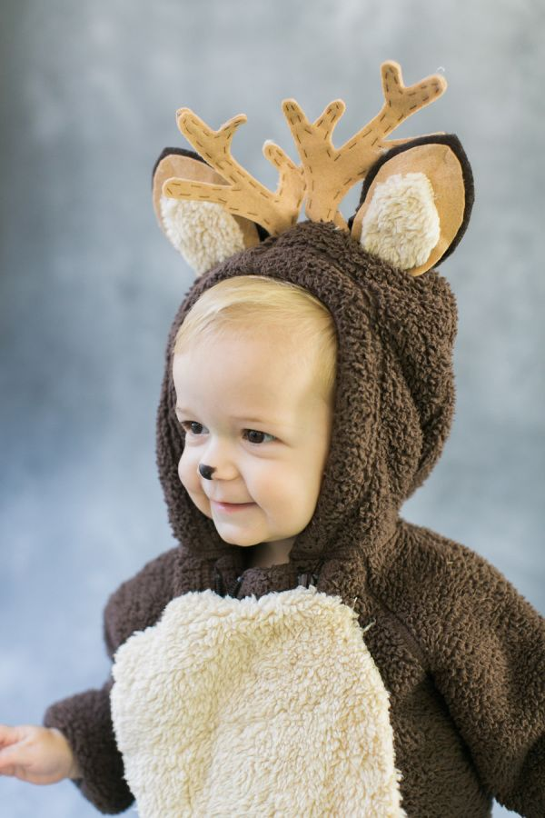 So stinkin' cute! http://www.stylemepretty.com/living/2015/10/12/diy-halloween-costume-baby-deer/ | Photography: Ruth Eileen - http://rutheileenphotography.com/