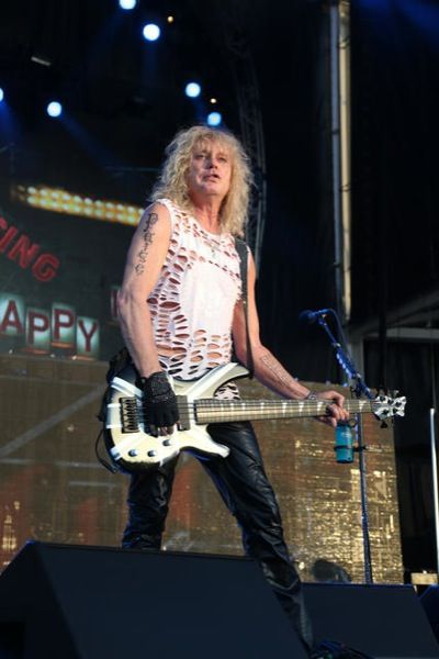 Def Leppard's Rick Savage (Austin) Photo by Gary Miller