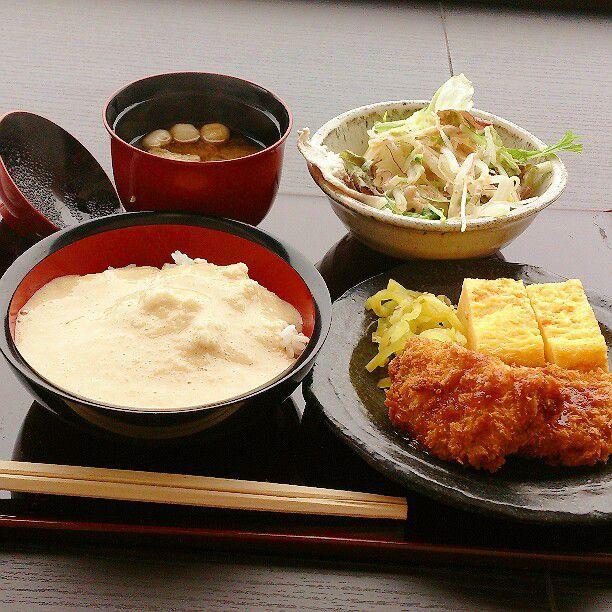 スカイツリーから近く、浅草寺もあるため都内屈指の観光スポットとして名高い「浅草」。そんな浅草はやはり老舗からトレンドまで数多くの飲食店が連なります。今回はそんな浅草の人気オススメランチランキングを発表します。
