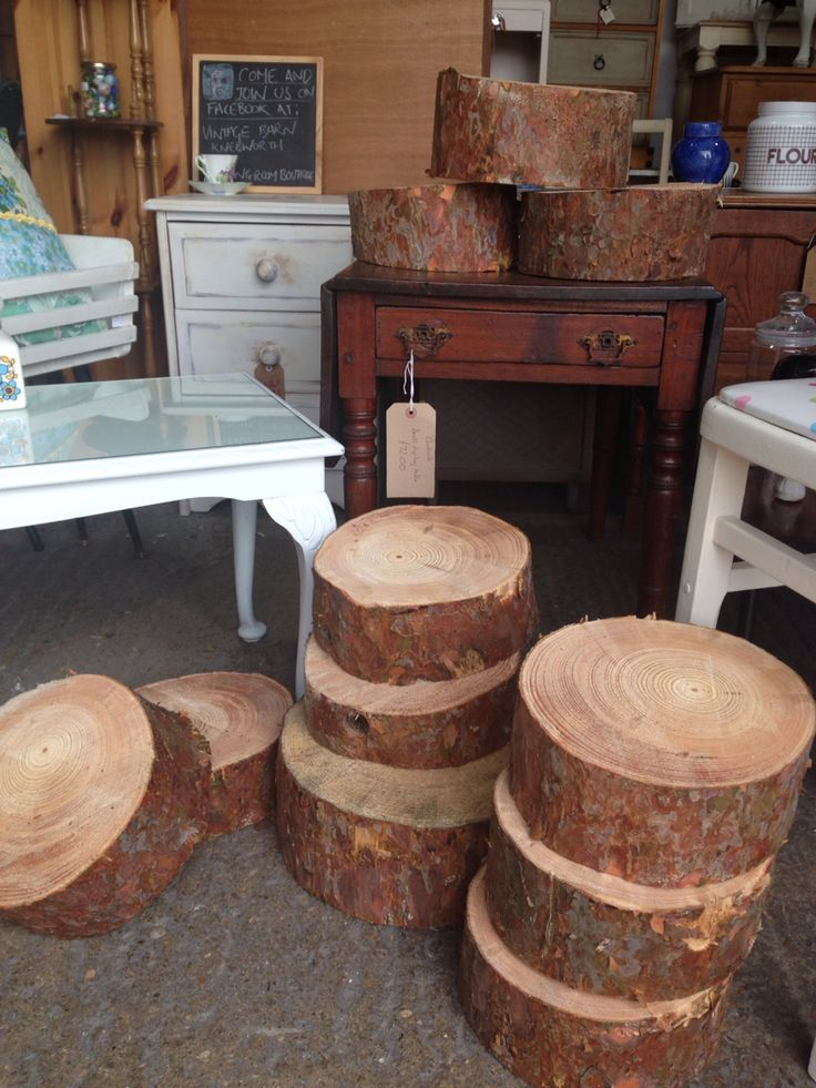Log cuttings. Ideal for weddings or displaying cakes