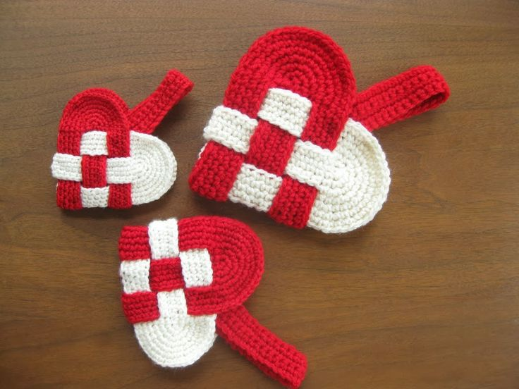 Free Danish Heart Pattern. Scandinavians use this for Christmas.... but I'm pinning it in Valentine's Day....
