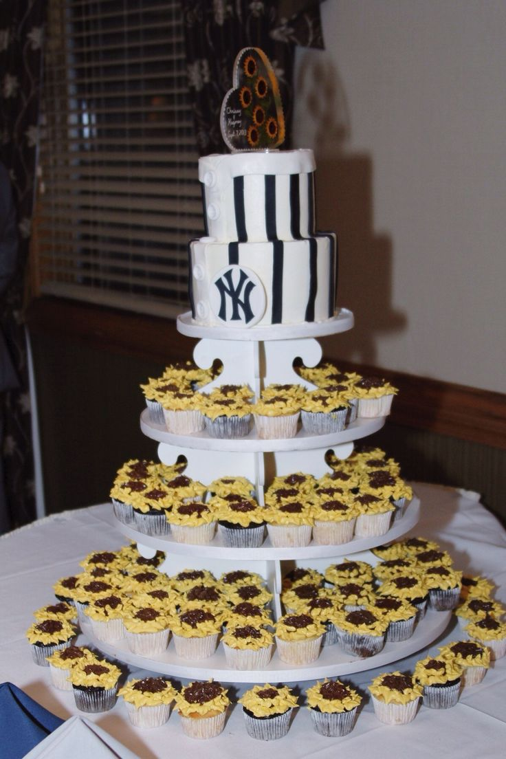 amazing wedding cakes new york 36 best new york yankees wedding ideas images on 10720
