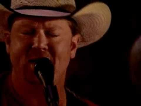 Tracy Lawrence - Paint Me A Birmingham - YouTube ACOUSTIC!!! Is everything better when acoustic??!!? AWESOME