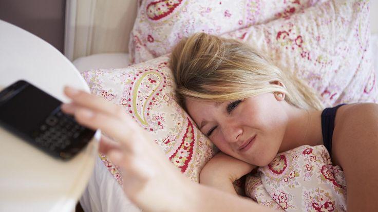 Myöhään yöpuulle menevä teini tai aikuinen lihoo helpommin kuin varhaisemmat nukkujat, paljastaa tuore amerikkalaistutkimus.