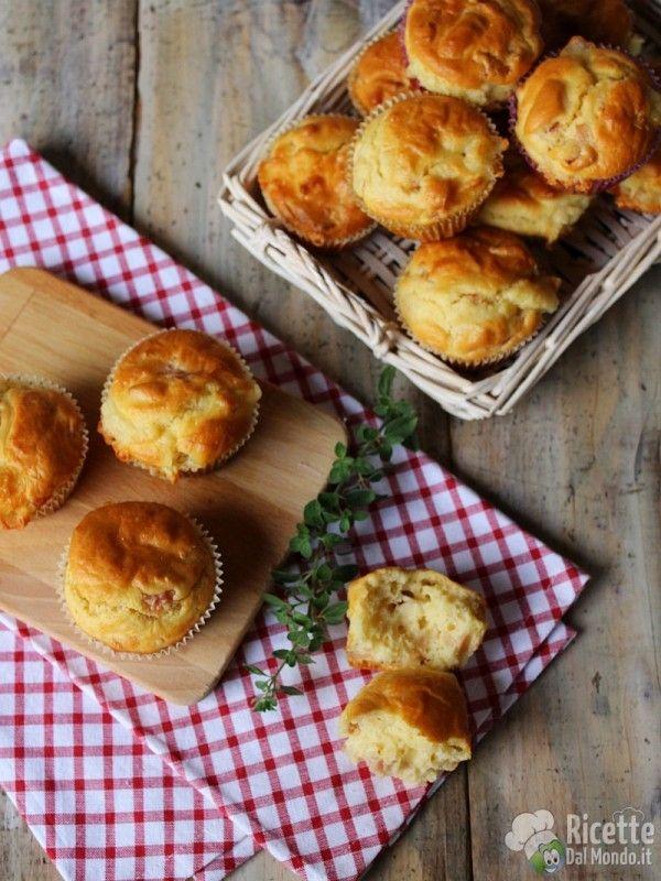 Come fare i muffin salati al prosciutto e formaggio