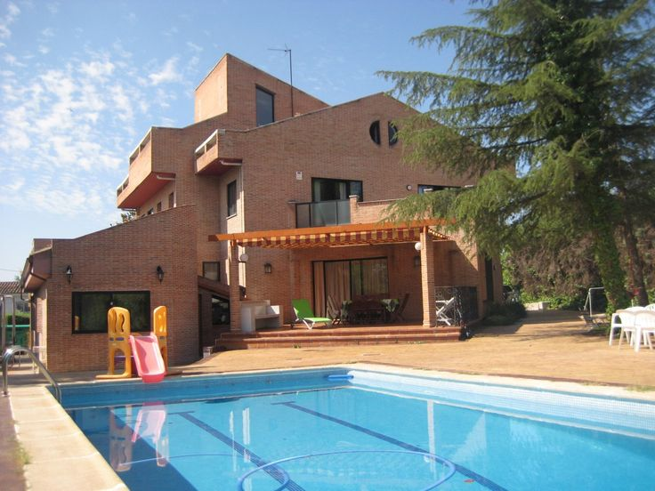 14 best home images on pinterest madrid real estates and chalets - Casas en majadahonda ...