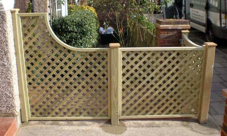 Natural softwood tellis & front gate