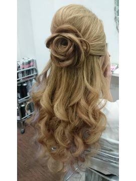 結婚式 髪型 ロングヘアアレンジ お花ハーフアップ