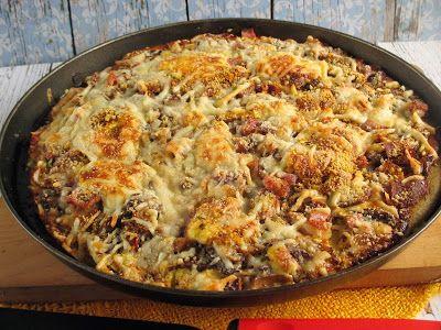 """PaleoLét Toscan Pizzaszeretem a pizzát főleg a """"tejfölös"""" fokhagymás pizza a kedvencem,gyorsan készen van és nagyon nagyon finom.És egy kicsit lusta voltam és nem a csomagoláson lévő utasítás szerint készítettem, egy picit változtattam rajta,de pont olyan finom .Hozzávalók:a tésztához155 g Tosca"""
