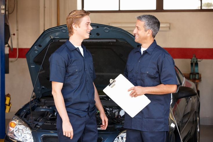 4 Tips For Success During Your Auto Mechanic Apprenticeship