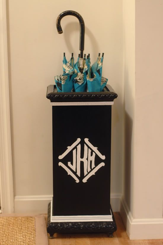 monogrammed umbrella stand    We can apply / cut a vinyl monogram for your umbrella stand at Kathy's Kreations. How cute!!!    @kkreationsirmo #kathyskreations http://www.facebook.com/pages/Kathys-Kreations/224884085166
