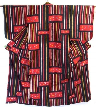 Vintage Silk Meisen Kimono in Geometric Pattern