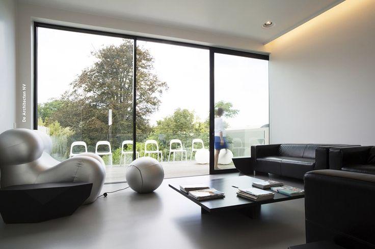 Porta-finestra a taglio termico con doppio vetro scorrevole Concept Patio 68 by Reynaers Aluminium