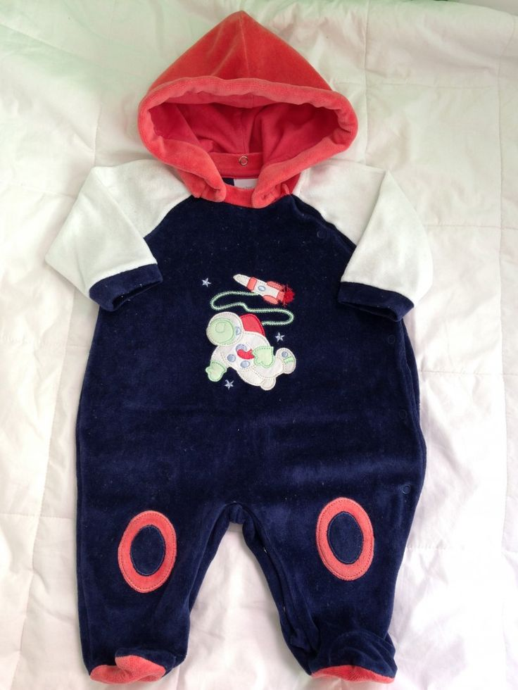 PROMOÇÃO Macacão - Astronauta - em plush com capuz no Ficou Pequeno - Produtos de quase novos ou nunca usados para bebês, crianças e mamães.