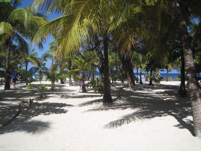 Tabyana Beach! Roatan, Honduras My FAVORITE beach!