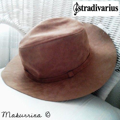 Sombrero antelina en marrón de STRADIVARIUS (SS15) comprado en rebajas por 5,99€ (precio inicial 12,95€). Ref. 9592003