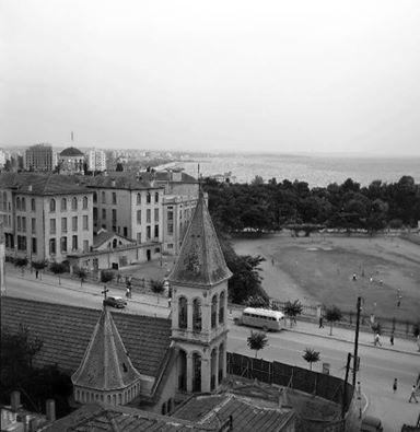 Η Θεσσαλονίκη στο Χώρο..και στο χρόνο Η Αρμένικη εκκλησιά μπροστά ...και η ΧΑΝΘ πίσω (μετά διάλεξαν πολύ να μένουν Τσιμισκή και χαθηκε η όψη}