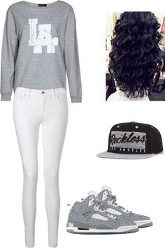 Considering my curly hair and my love for snapback caps, this outfit is perfect
