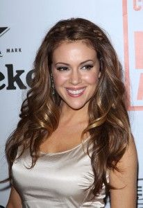 Alyssa Milano Hairstyle, Makeup, Dresses, Shoes and Perfume.