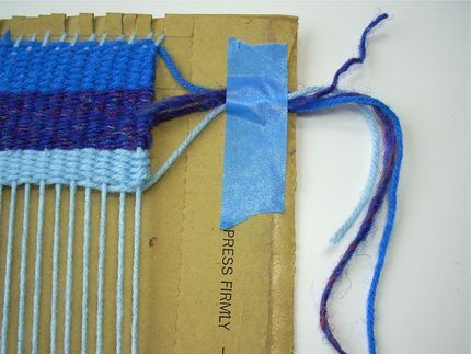 How to Weave on a Cardboard Loom #tutorial #weaving #textiles