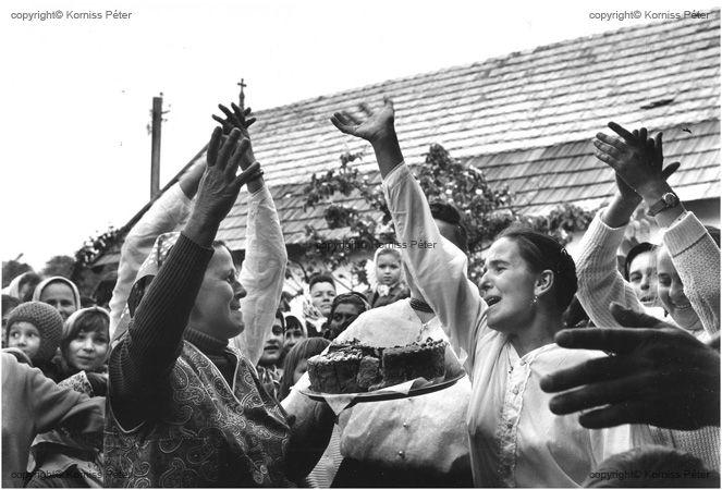 Korniss Péter: Tortás tánc. 1970
