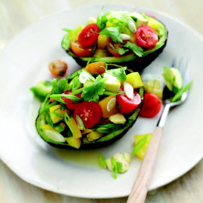avocat, coupe faim efficace, que manger pour maigrir, salade, avocat, tomates cerise, aliment versatile, plusieurs recettes