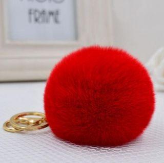 Red szőrmés kulcstartó és táskadísz