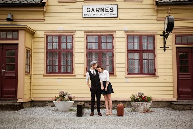 THE NORWEGIAN WEDDING BLOG : 40's inspired engagement shoot from Norway by Sparks Studios.