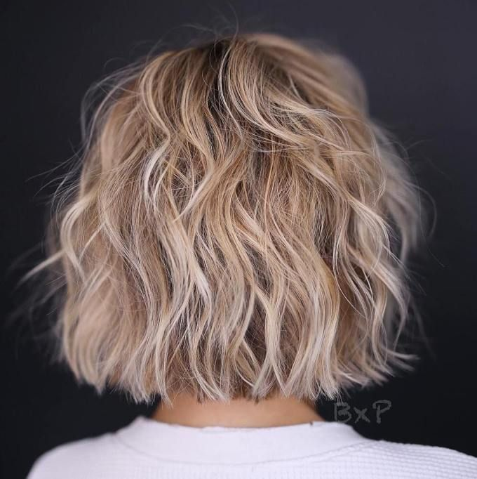 50 Best Trendy Short Hairstyles For Fine Hair With Images Short Layered Haircuts Short Wavy Hair Thin Hair Haircuts Coupe De Cheveux Cheveux Courts Coiffure Courte