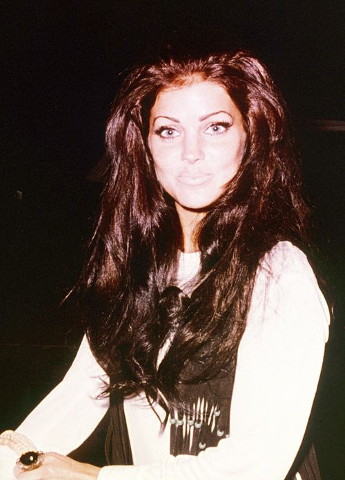 Priscilla Presley most gorgeous girl ever !!