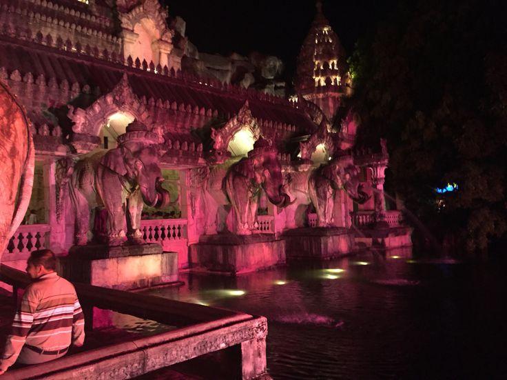 Тайланд, Пхукет, шоу Фантазия, слоны
