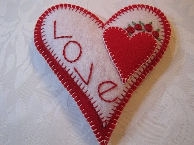 ! Lynn B 's finishing instructions for cross stitch !: How to make my little love heart pillow.