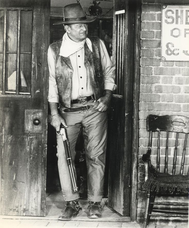 """The Duke - wearing his """"Red River D"""" belt buckle"""