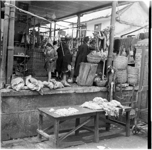 La Plaza Central de Mercado con sus marchantas / Daniel Rodríguez / 1942 / Colección Museo de Bogotá: MdB 19264 / Todos los derechos reservados