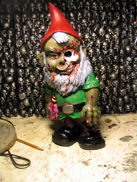 Garden gnome zombie zombies pinterest gnomes and gardens for Combat gnomes for sale