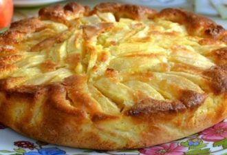 Попробовав кусочек такого пирога, вы навсегда забудете о шарлотке. Теперь у вас есть новый любимый рецепт! - Jemchyjinka.ru