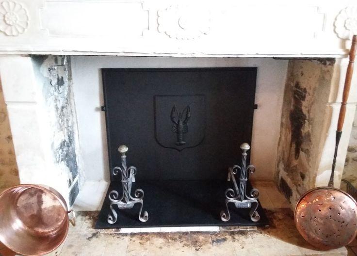 En situation - Plaques en fonte - Fonderie LACOSTE - Dordogne - Création de plaque de cheminée - Réalisation à la demande